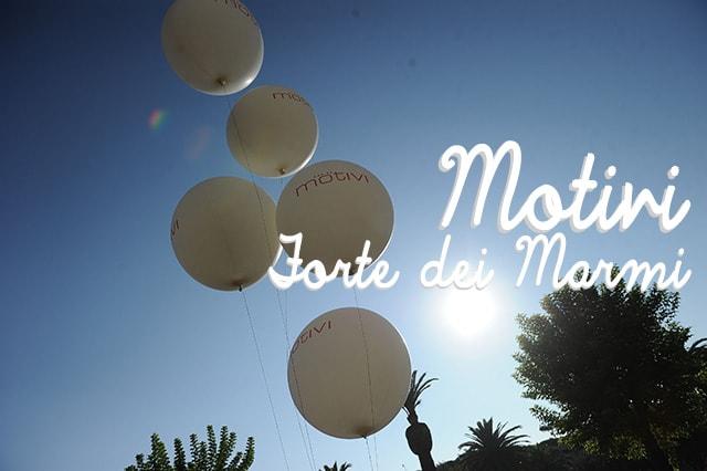 """Motivi Forte dei Marmi: il party per i 20 anni e la """"one million"""" Motivi girl"""