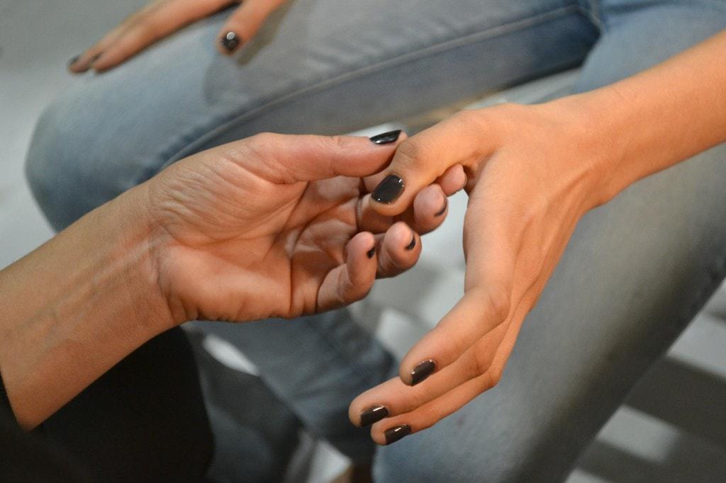 Black nail polish, le proposte per l'autunno 2013