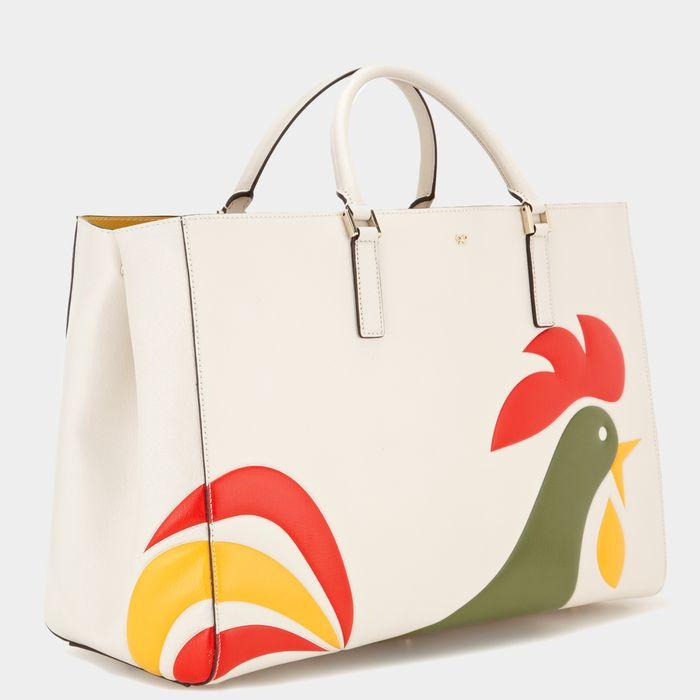 Anya Hindmarch, le borse e clutch che sembrano scatole di cereali (o detersivi)