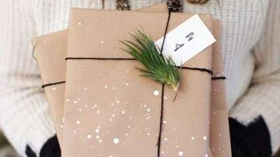 Idee semplici fai da te per pacchetti di Natale originali ed eleganti