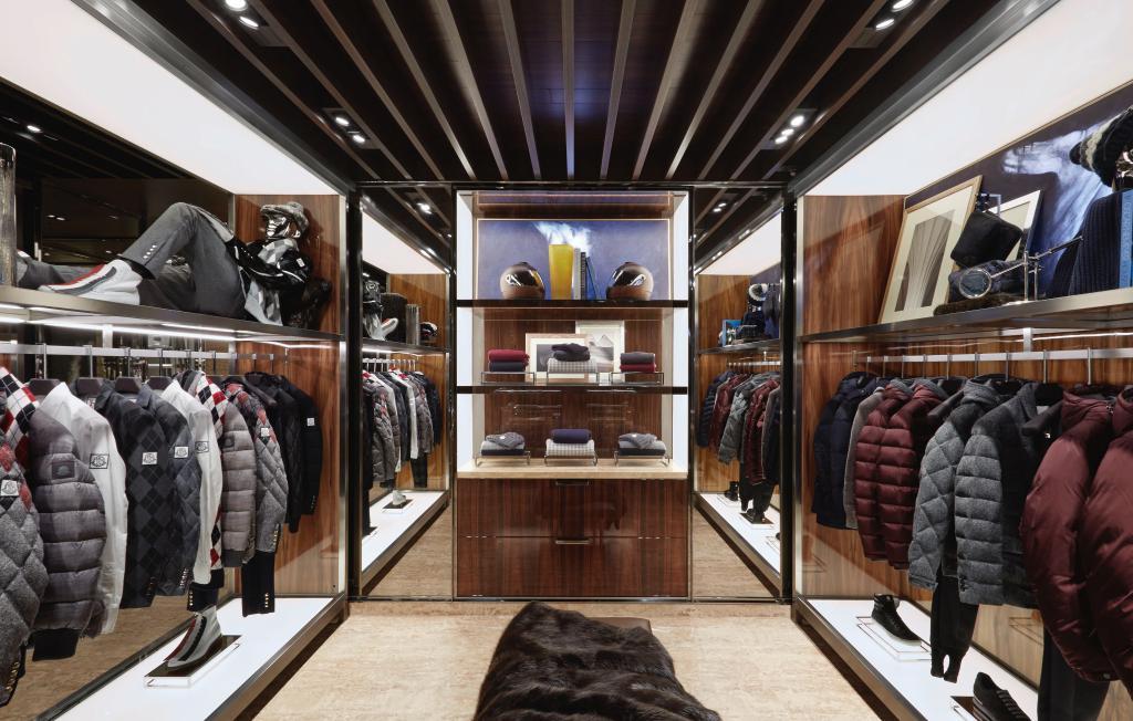 Moncler-1ère-boutique-Paris-1
