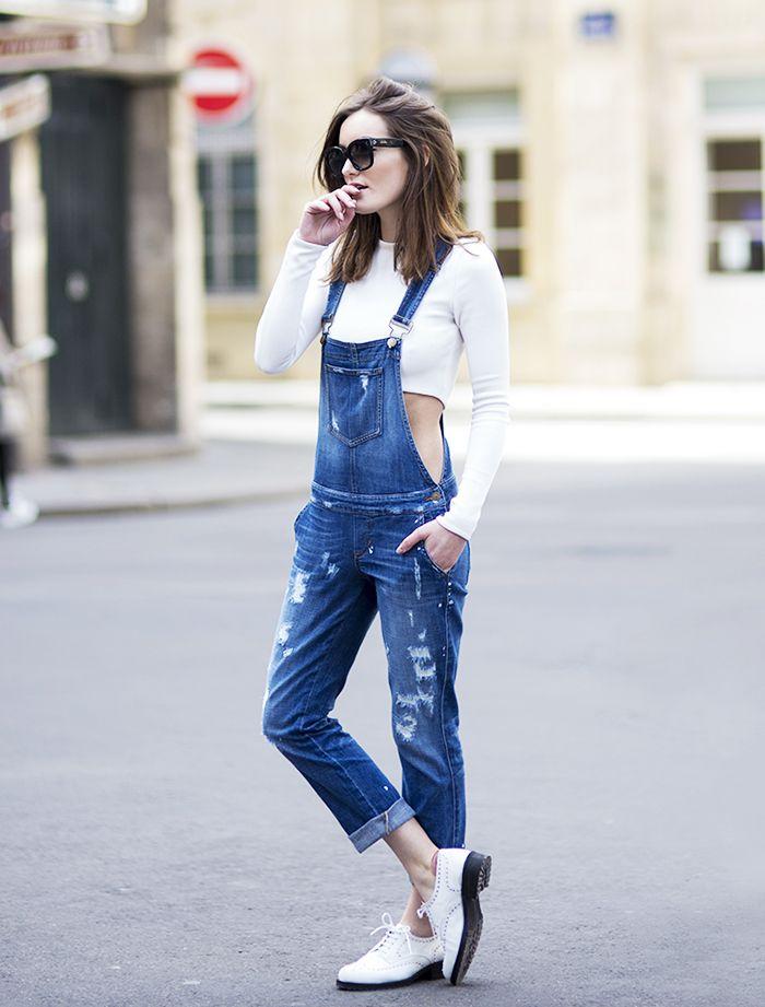 Come indossare e come abbinare una salopette di jeans