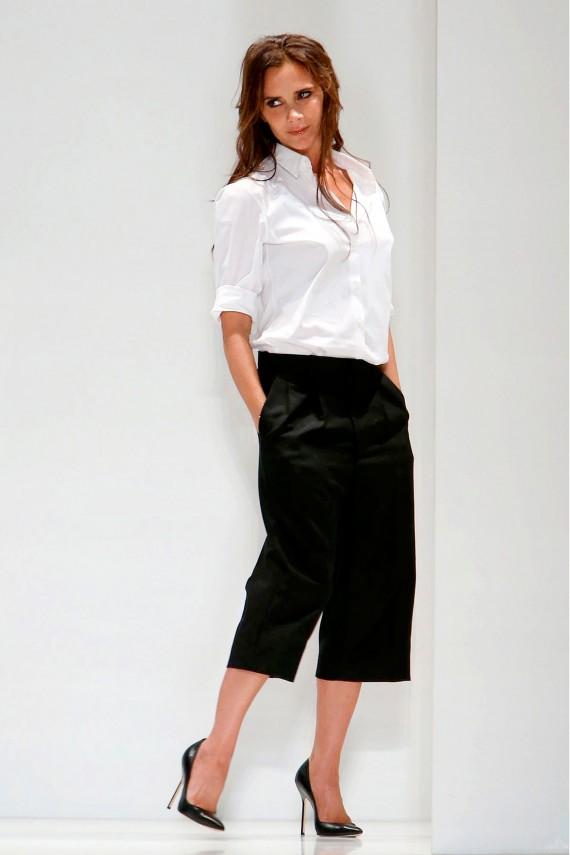 Victoria-Beckham-wearing-culottes