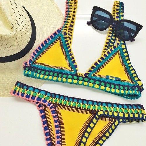 Bikini Kiini Bea: ferri e fantasia per i costumi all'uncinetto che vi faranno impazzire