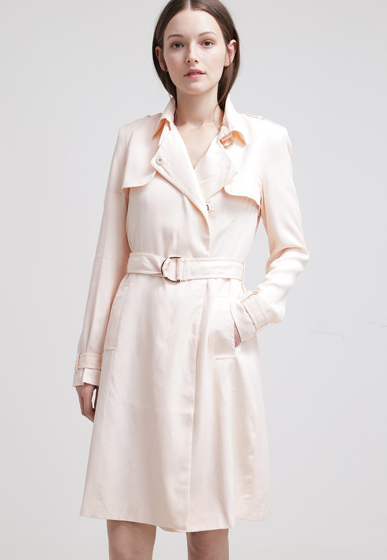 Trench  color nude primavera 2015