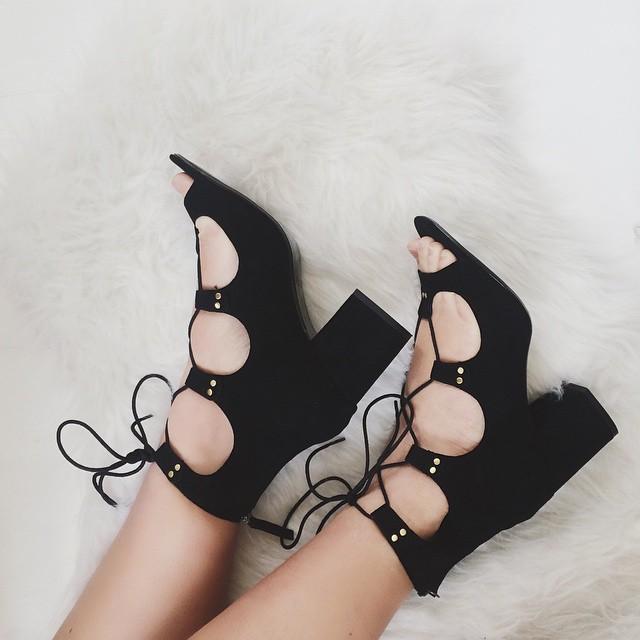 fashion blogger sandali