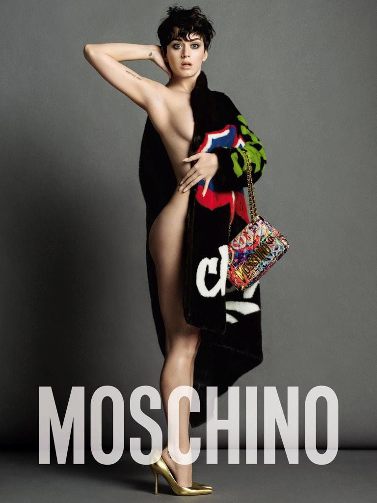 MOSCHINO CAMPAGNA PUBBLICITARIA AUTUNNO/INVERNO 2015/2016