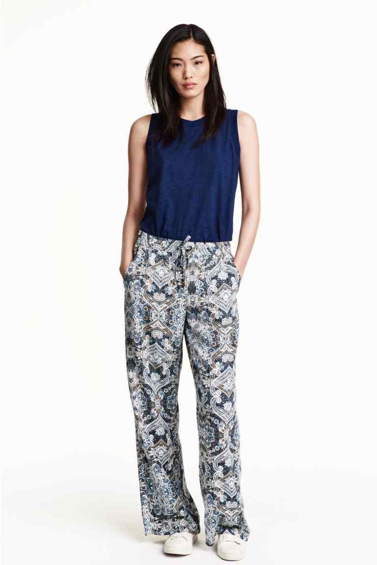 Pantaloni ampi in lyocell con motivi stampati, collezione conscious. prezzo 24,99 €