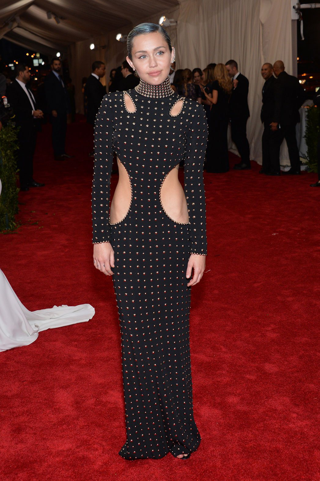 miley-cyrus-in-a-black-studded-cut-out-dress-by-alexander-wang-at-the-2015-met-gala-01