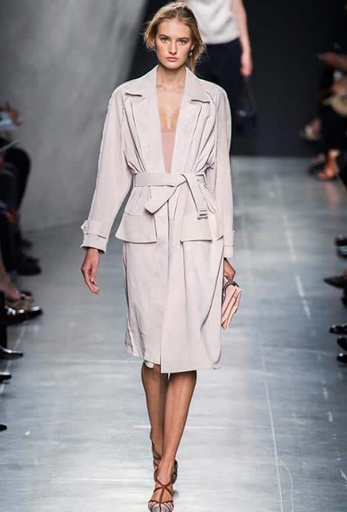 ways_of_wearing_a_belt_in_spring_2015_Bottega_Veneta