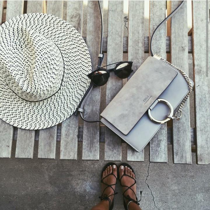 Chloé Faye, la borsa dell'estate 2015