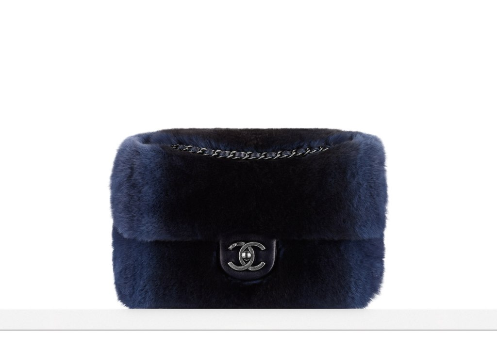flap bag in orylag fur