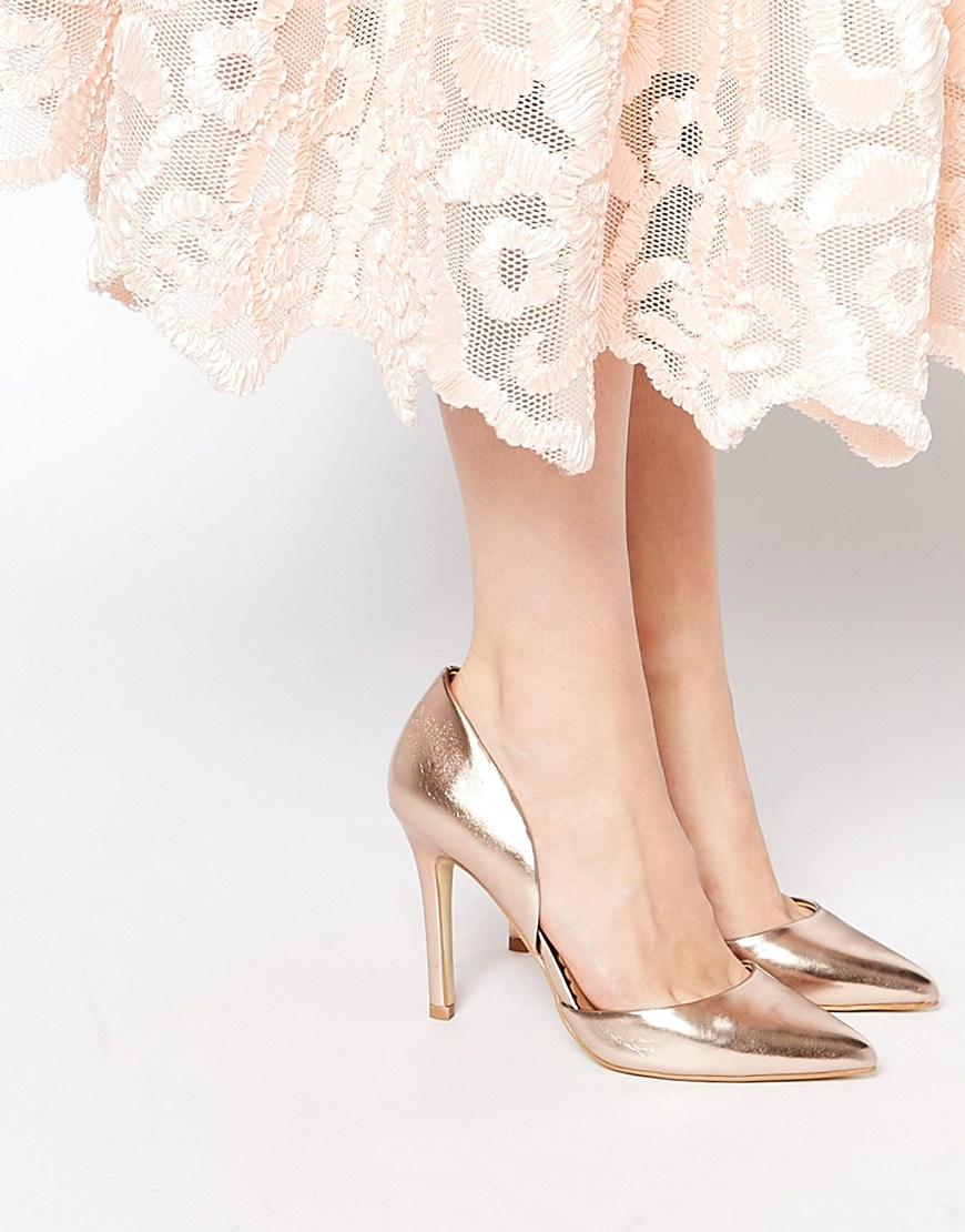 134_Scarpe con tacco Head Over heels, modello Callina. A punta (54,99 € su Asos)
