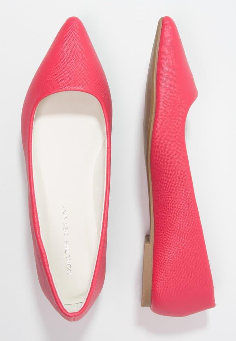 15_Ballerine Dorothy Perkins in ecopelle, qui nella tonalità Pink ma disponibili anche in nero (15 € su Zalando)