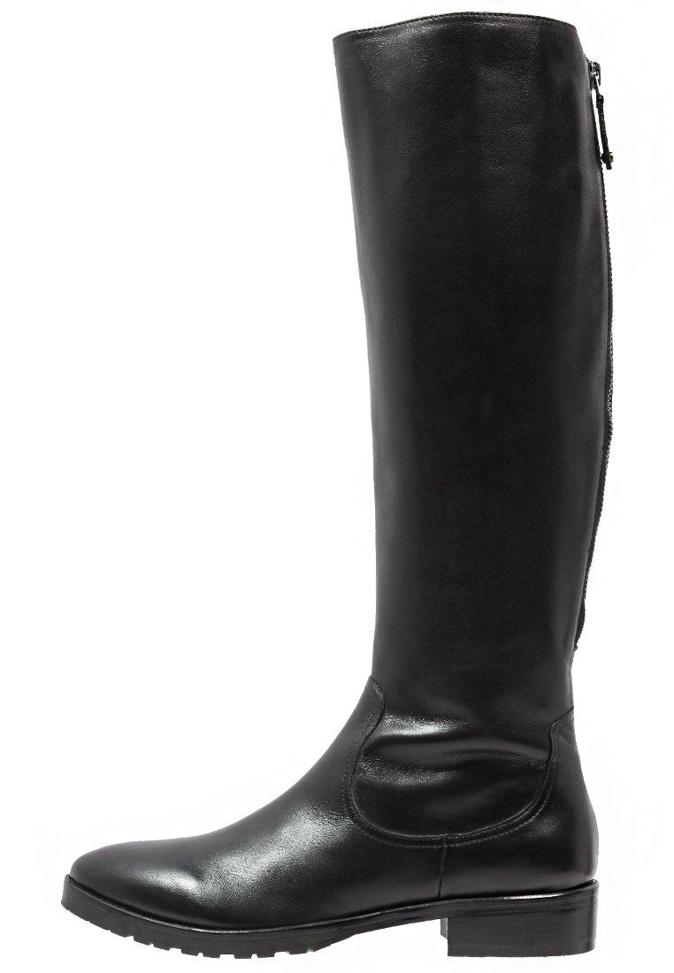 8_Stivali da donna neri senza tacco
