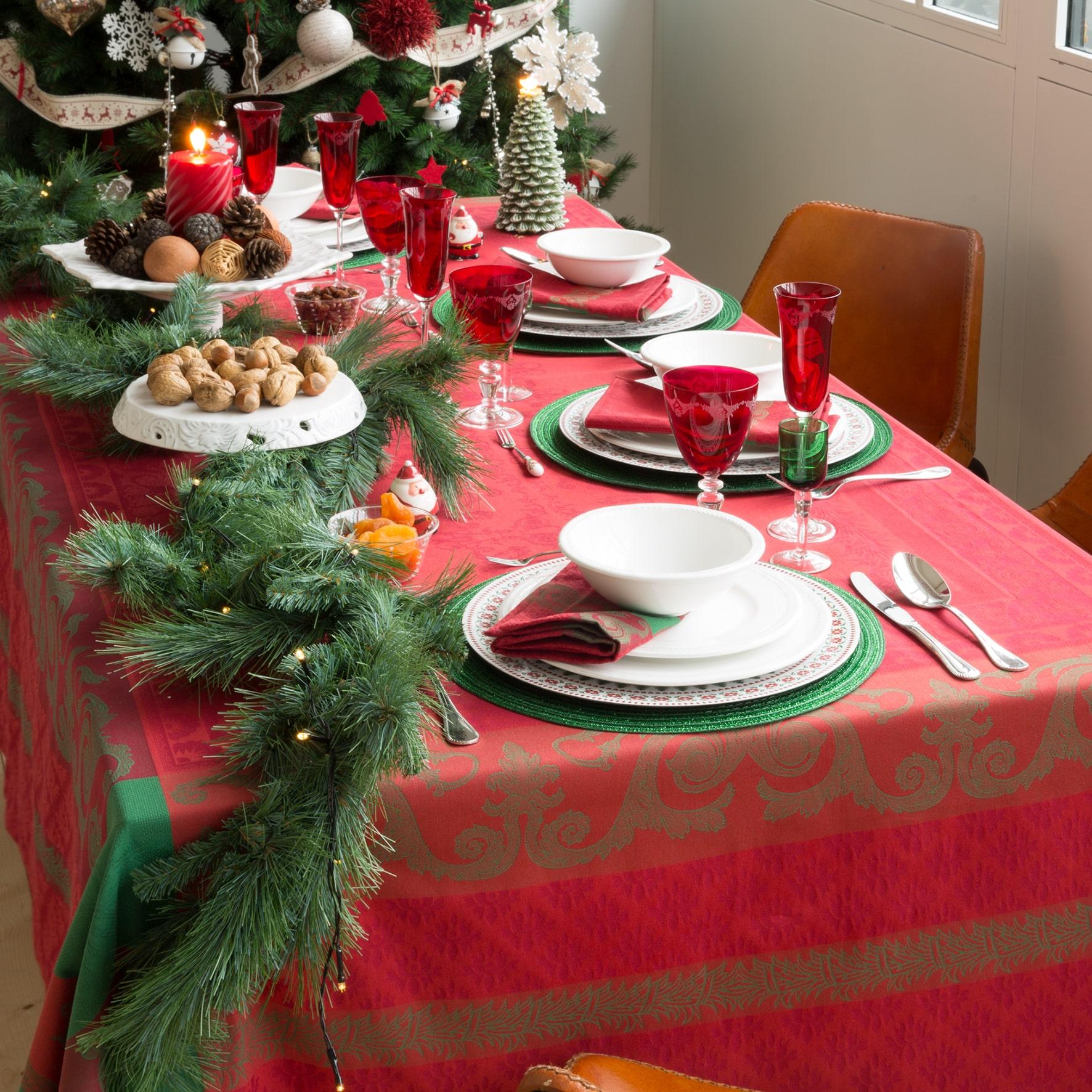 Tavola di Natale tovaglia rossa