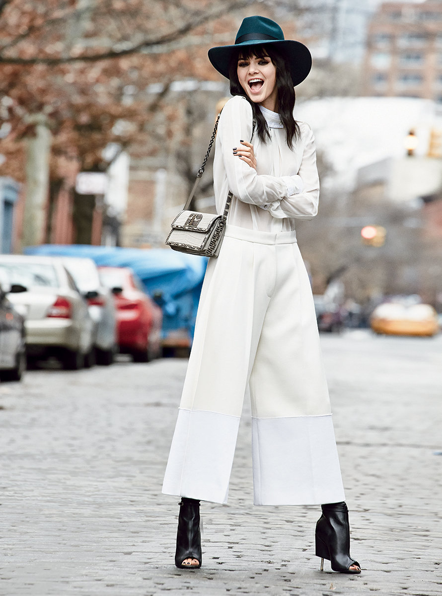 Pantaloni culottes, la via di mezzo che sta bene anche alle petite: come abbinarli