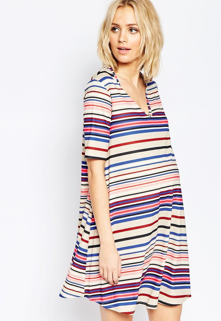 Come vestirsi in gravidanza: vestiti e look da giorno