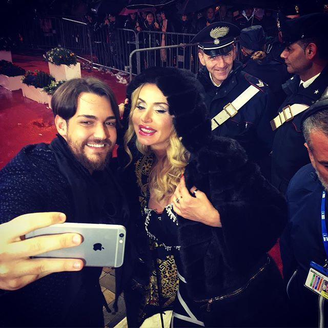 Valeria Marini con Valerio Scanu