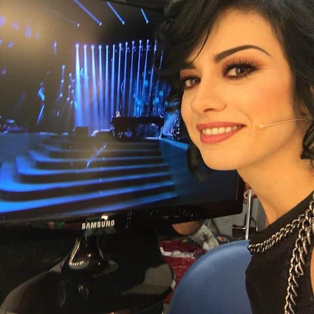 Il make-up di Dolcenera, pronta per il palco