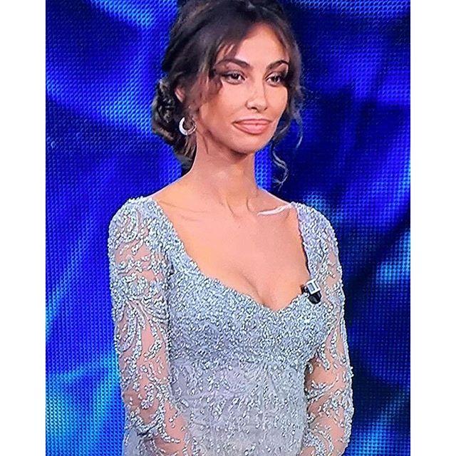 Madalina Ghenea, il terzo look della seconda serata