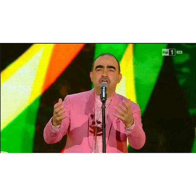 Elio in pink...