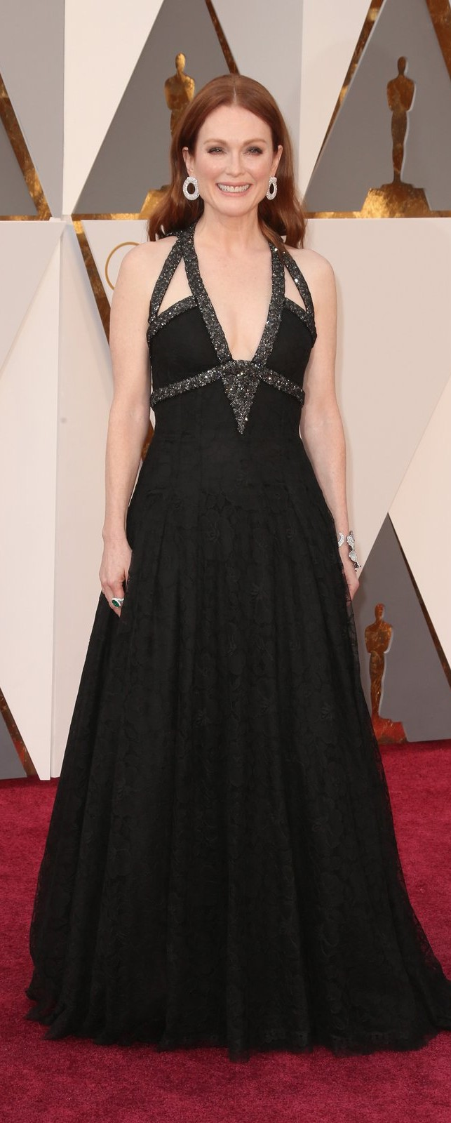 Julianne Moore in Chanel Haute Couture
