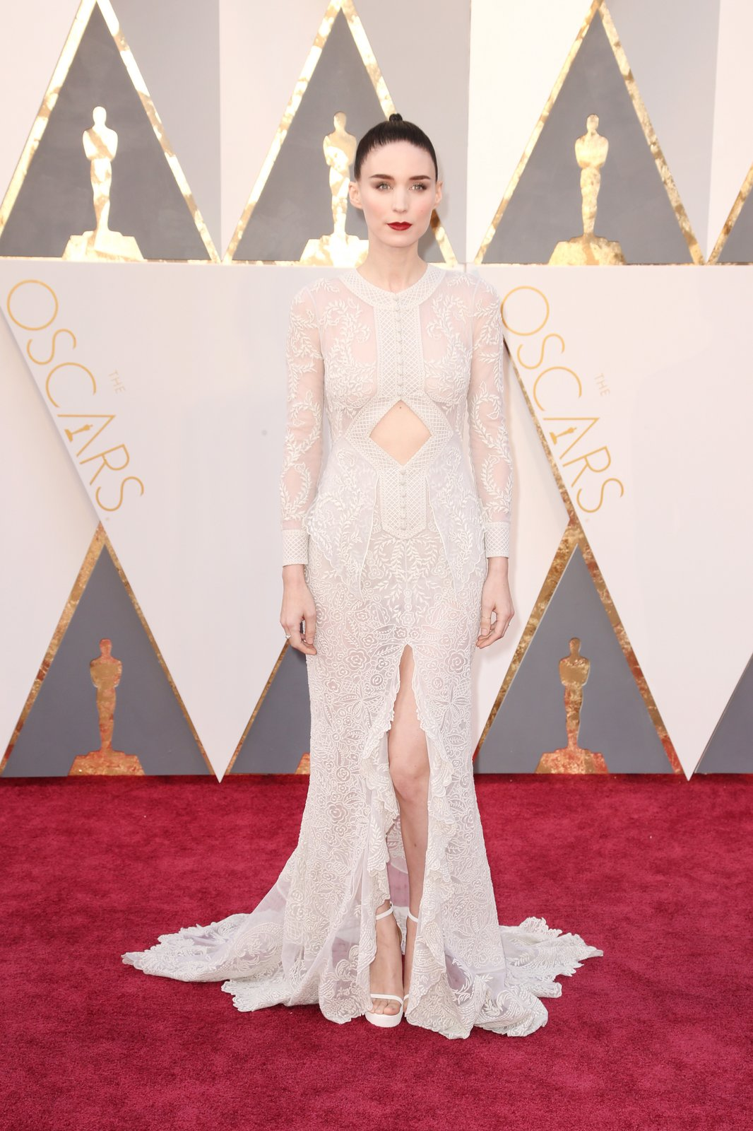 Rooney Mara in Givenchy oscar 2016