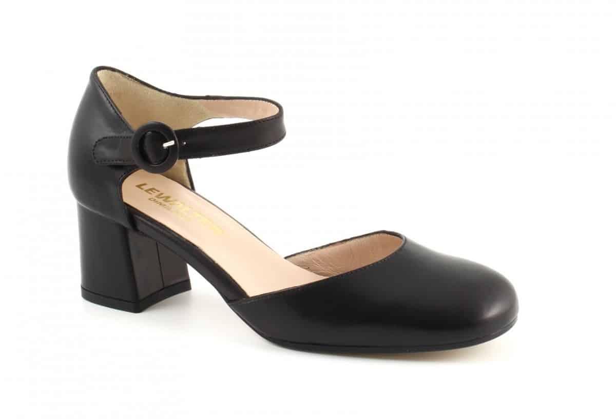 scarpe col tacco medio e cinturino