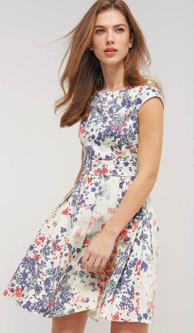 Vestiti corti estivi a fiori