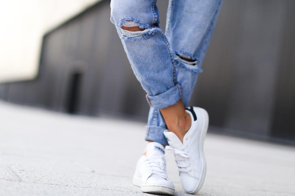 Sneakers e scarpe da ginnastica: come indossarle per essere cool