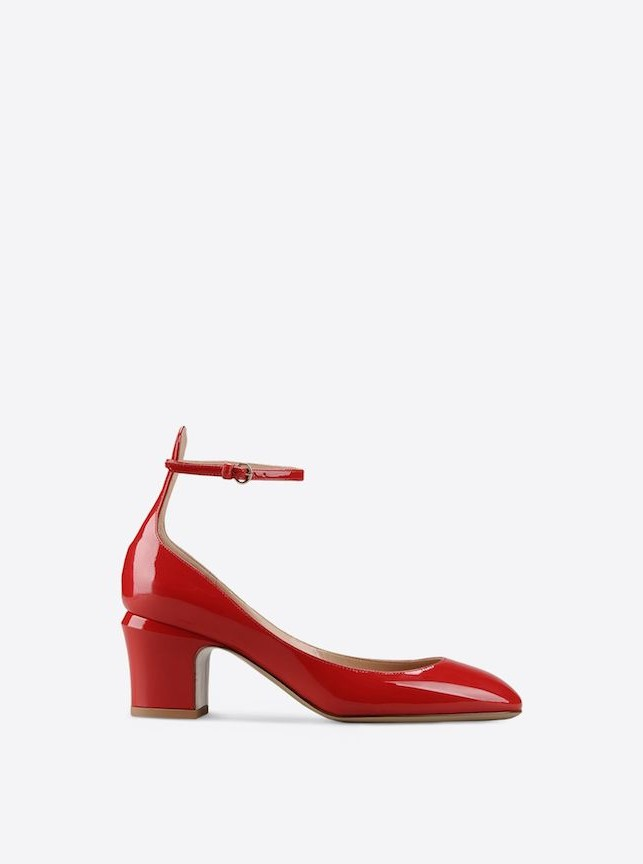 Tan-Go di Valentino, ecco tutte le varianti colore: rosso