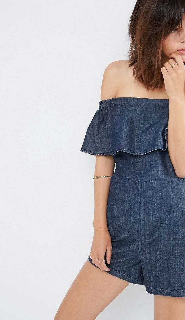 Mini jumpsuit con le spalle scoperte
