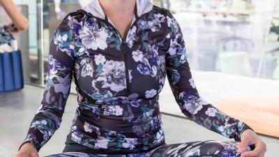 Yoga: quale abbigliamento è adatto allo yoga (ed è cool)