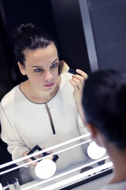 elena-allo-specchio