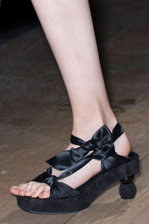 Scarpe moda 2017: kitten heels (tacchi a rocchetto)