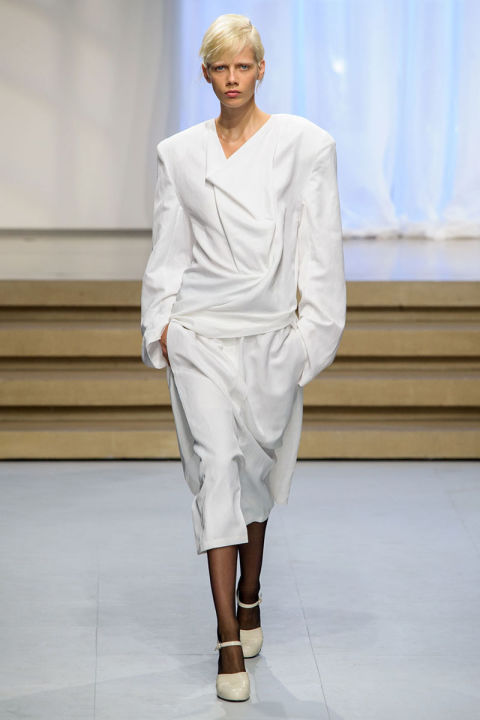Tendenze moda primavera 2017 camicia bianca
