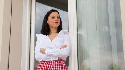 Come indossare la camicia bianca: 10 nuove idee look da copiare