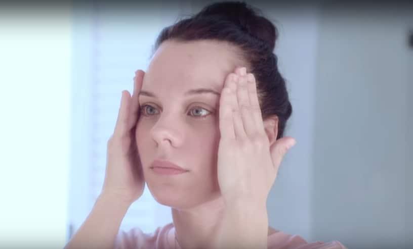 Siero viso, come applicarlo passo passo (foto tutorial)