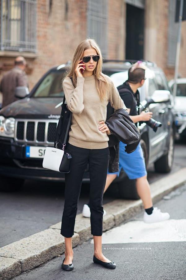 Pantaloni cropped e scarpe flat