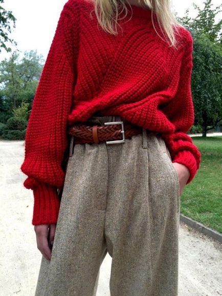 Pantaloni a vita alta e maglione