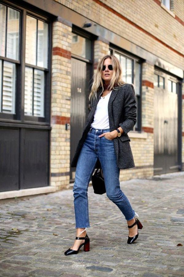 Jeans cropped e décolleté con cinturino