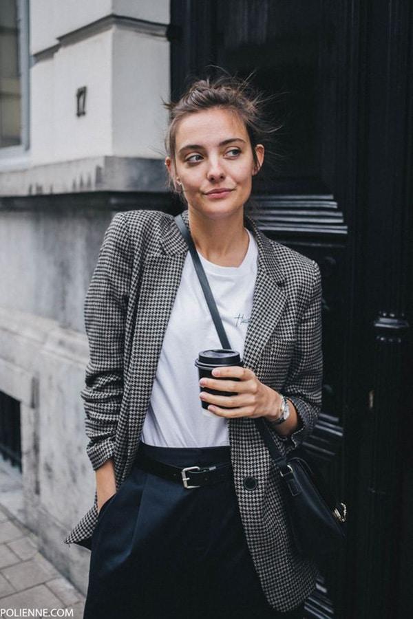 Pantaloni a vita alta e blazer