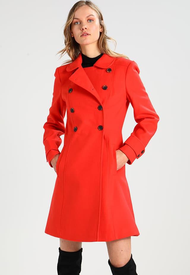 Cappotti colorati inverno 2018: idee shopping