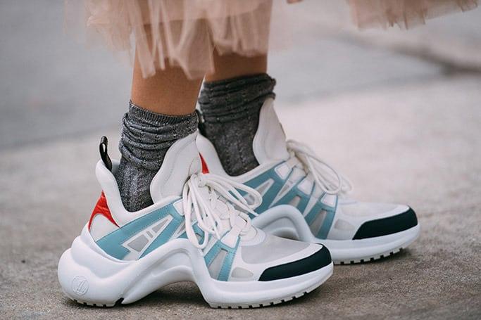 Sneakers con la suola alta: i modelli must per la primavera