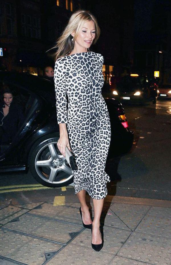 Vestito leopardato e tacchi