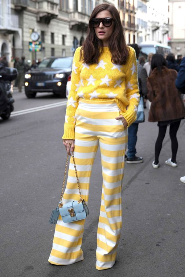 Pantaloni a righe bianche e gialle