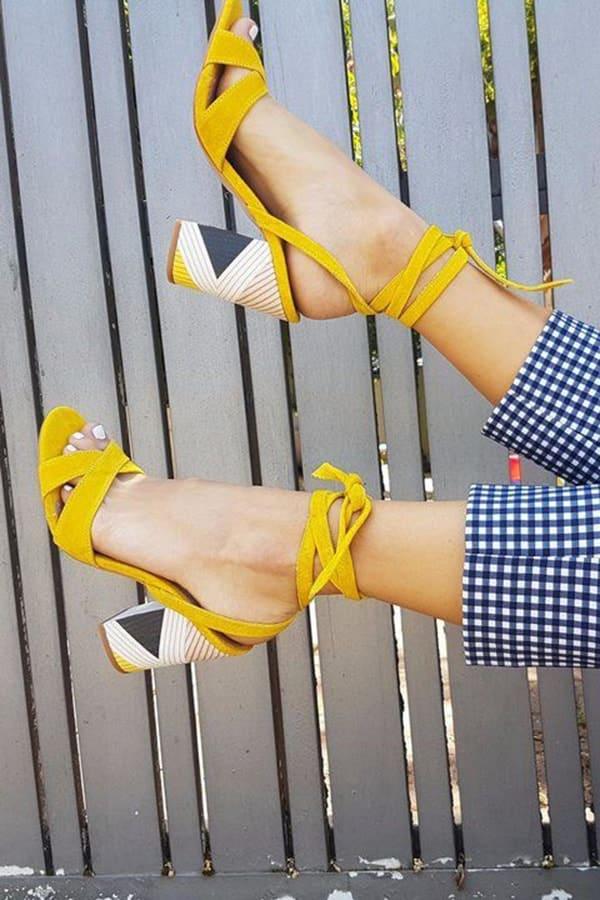 Sandali gialli lace-up