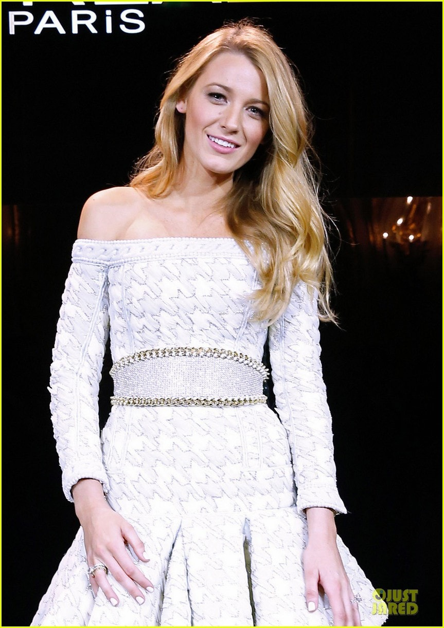 blake-lively-new-face-of-loreal-presentation-04