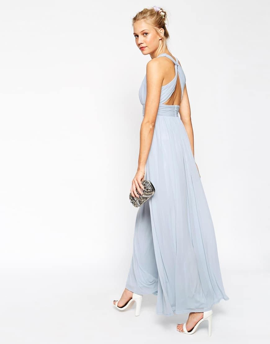 25_Vestito lungo con scollo a V e intreccio sulla schiena (74,99 €su Asos)